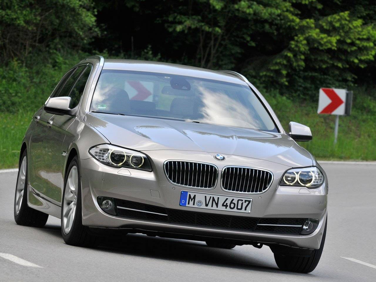 test bmw 5 serie touring 520d autotests. Black Bedroom Furniture Sets. Home Design Ideas