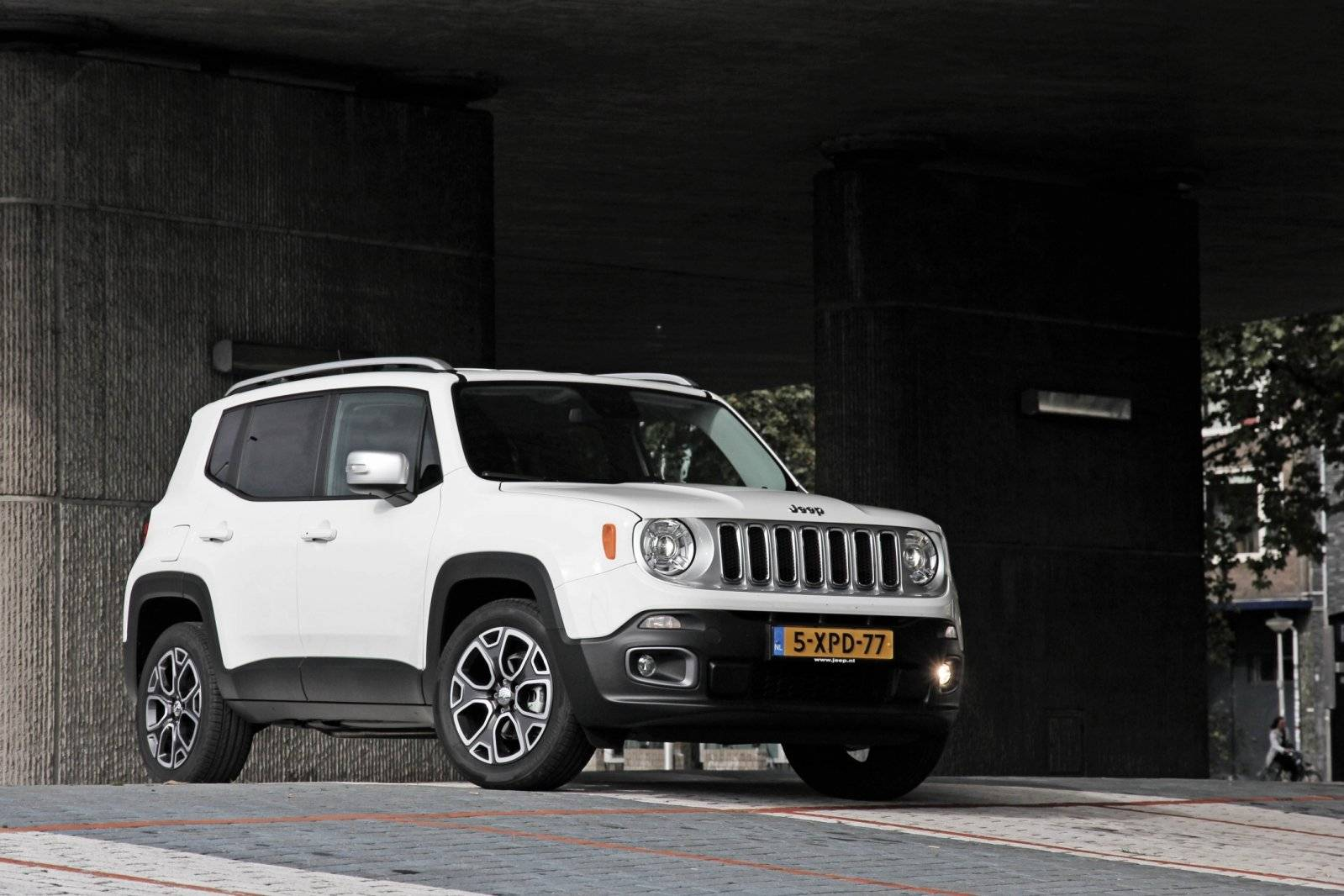 test autotest jeep renegade autotests. Black Bedroom Furniture Sets. Home Design Ideas
