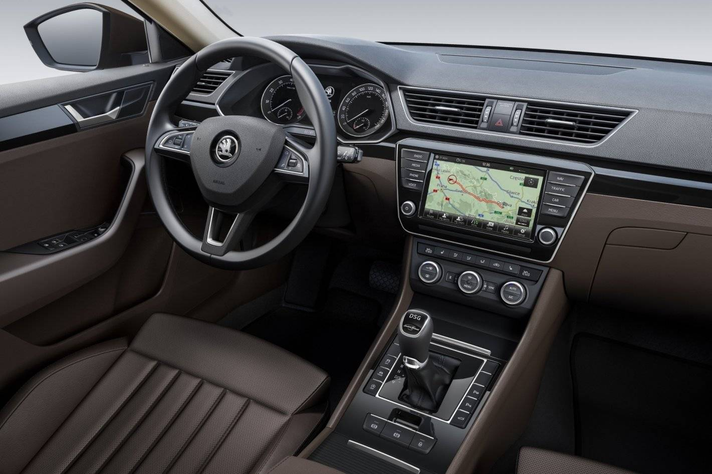 de nieuwe skoda superb alle details autonieuws. Black Bedroom Furniture Sets. Home Design Ideas