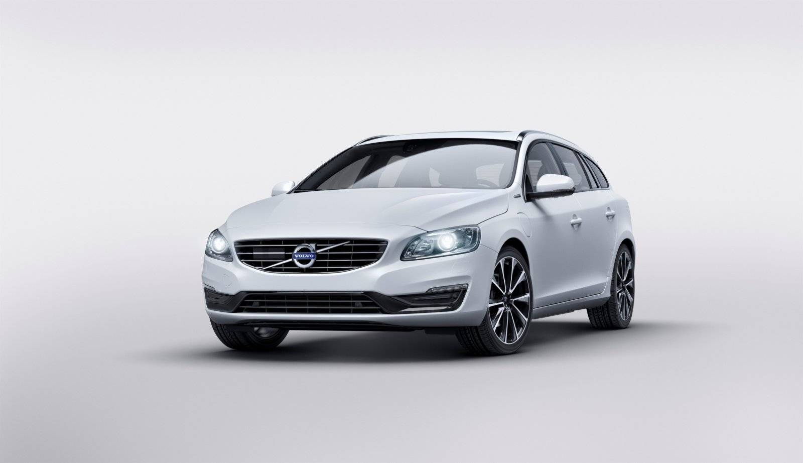 volvo xc90 kopen with Volvo Presenteert V60 D5 Twin Engine on Vw Polo Vaste Trekhaak in addition Volvo V90 likewise Volvo Xc40 Proefrit Event together with 408593 32468411700 as well Voertuigen Zoeken.