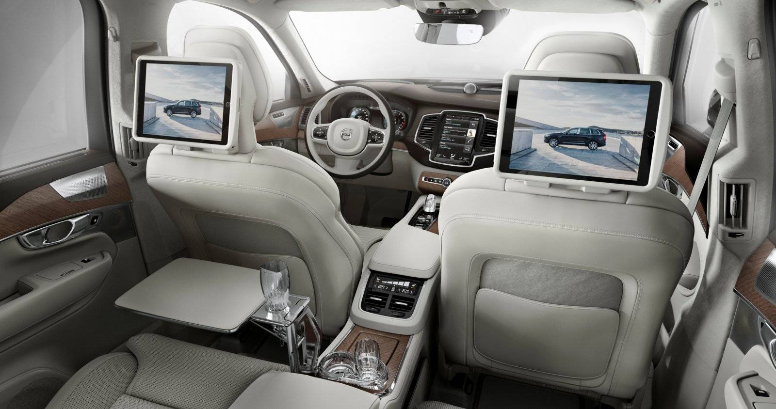 Volvo Xc Excellence on 2004 Chrysler Pacifica