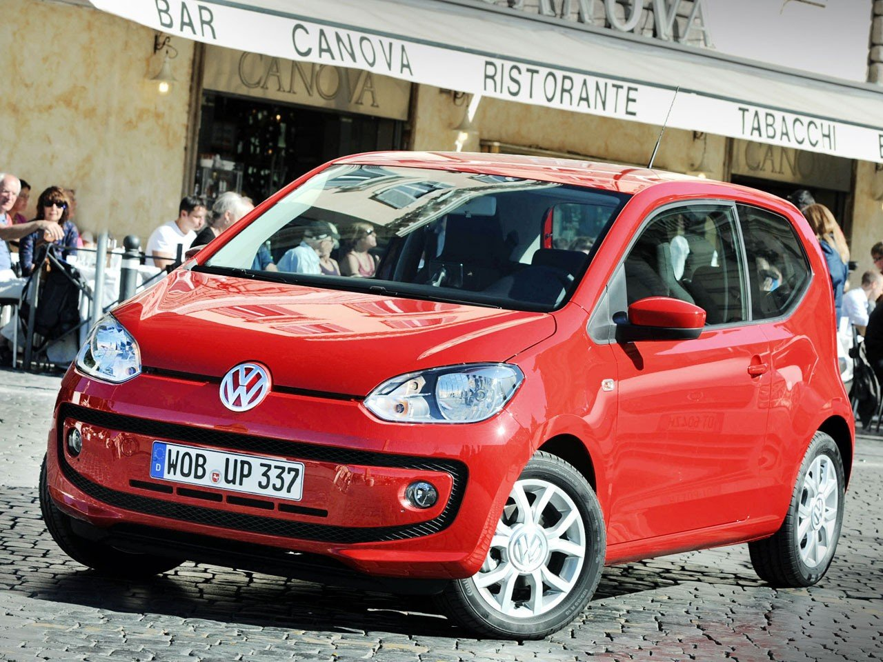 test volkswagen up autotests. Black Bedroom Furniture Sets. Home Design Ideas