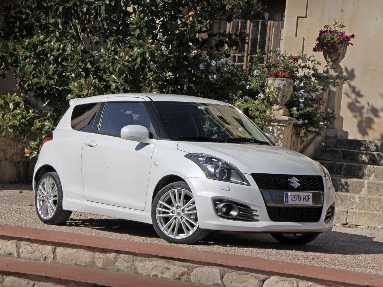 test suzuki swift sport autotests. Black Bedroom Furniture Sets. Home Design Ideas
