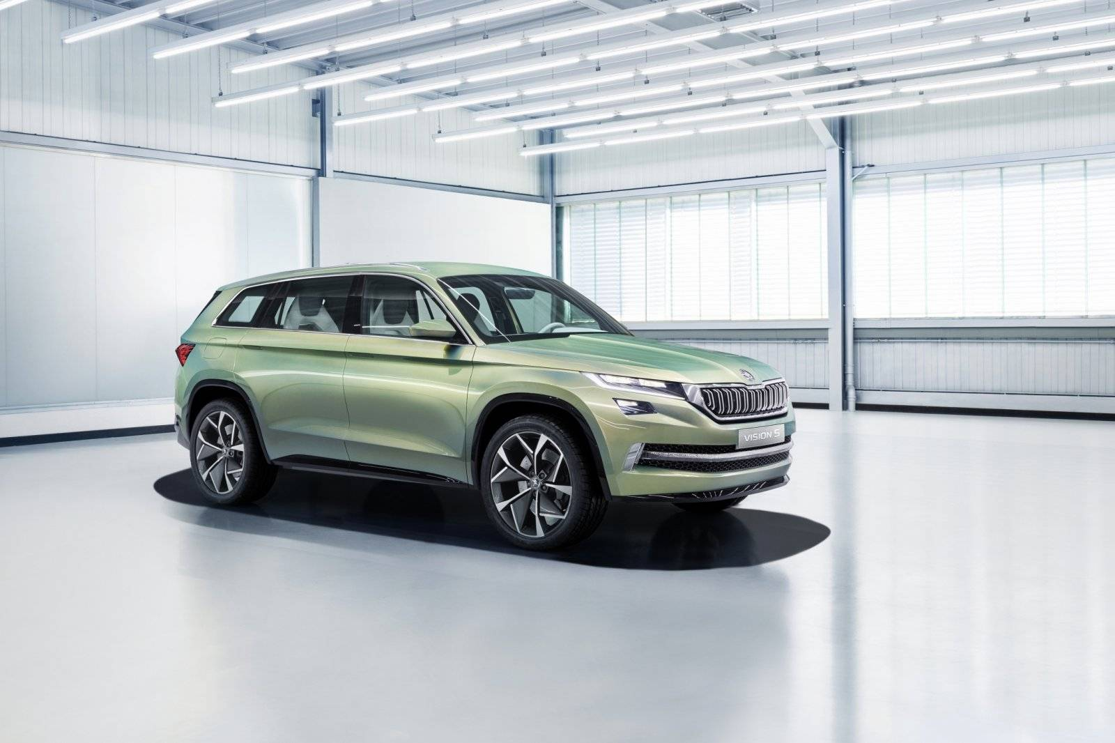 skoda visions plug in hybride 6 persoons suv autonieuws. Black Bedroom Furniture Sets. Home Design Ideas