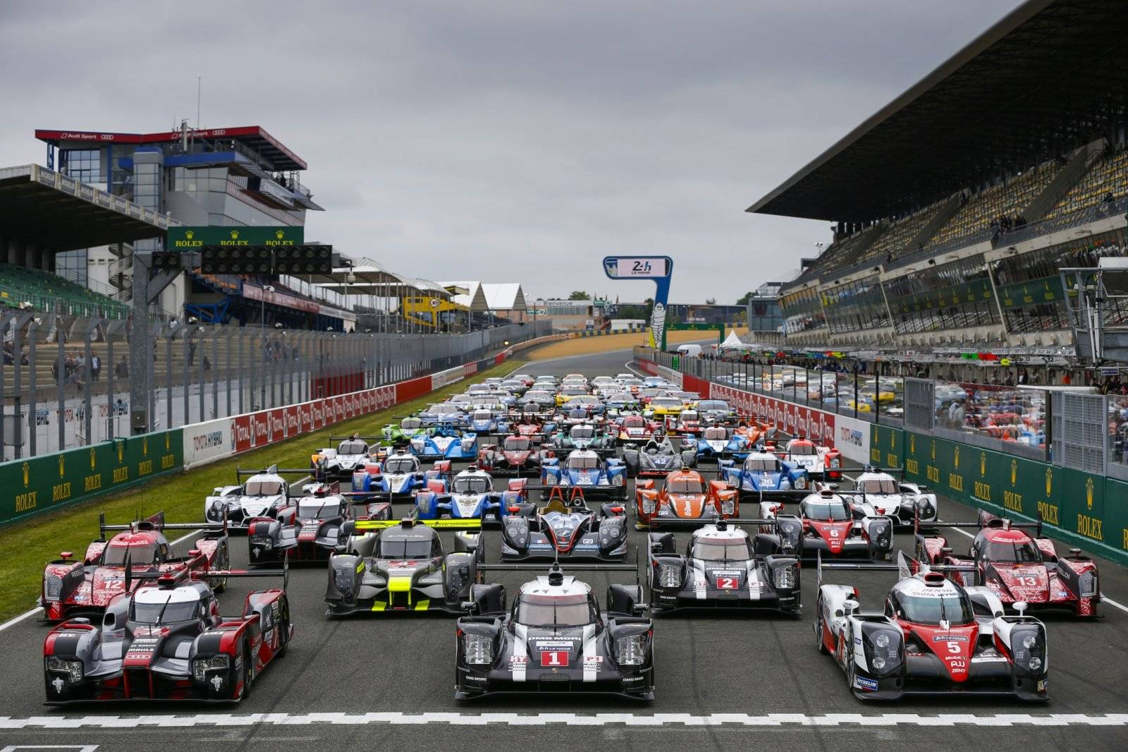 13 weetjes over de 24h van le mans autonieuws. Black Bedroom Furniture Sets. Home Design Ideas