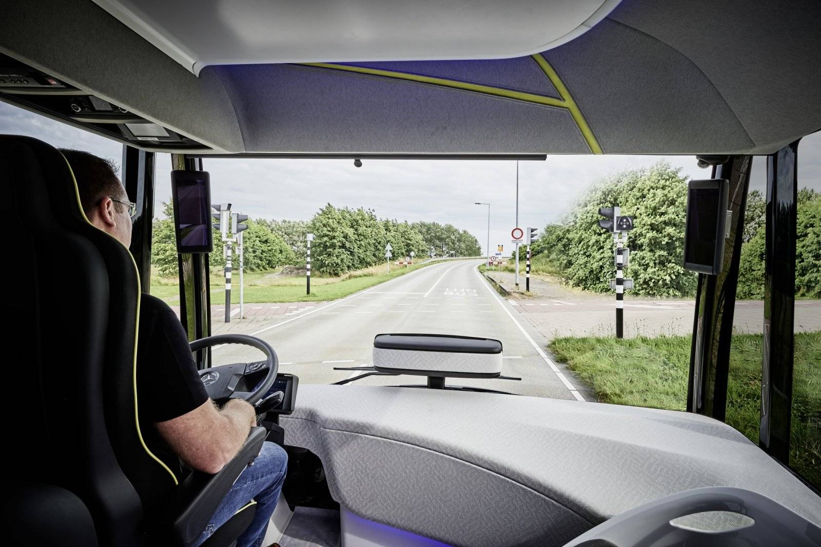 Mercedes Benz Presenteert De Bus Van 2025 Autonieuws