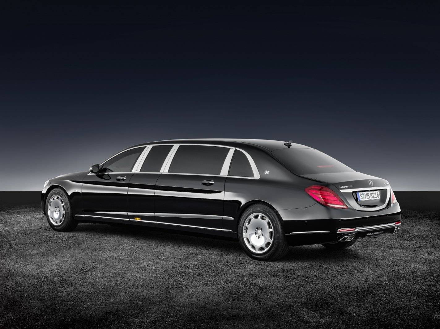 vip tank mercedes maybach s 600 pullman guard autonieuws. Black Bedroom Furniture Sets. Home Design Ideas