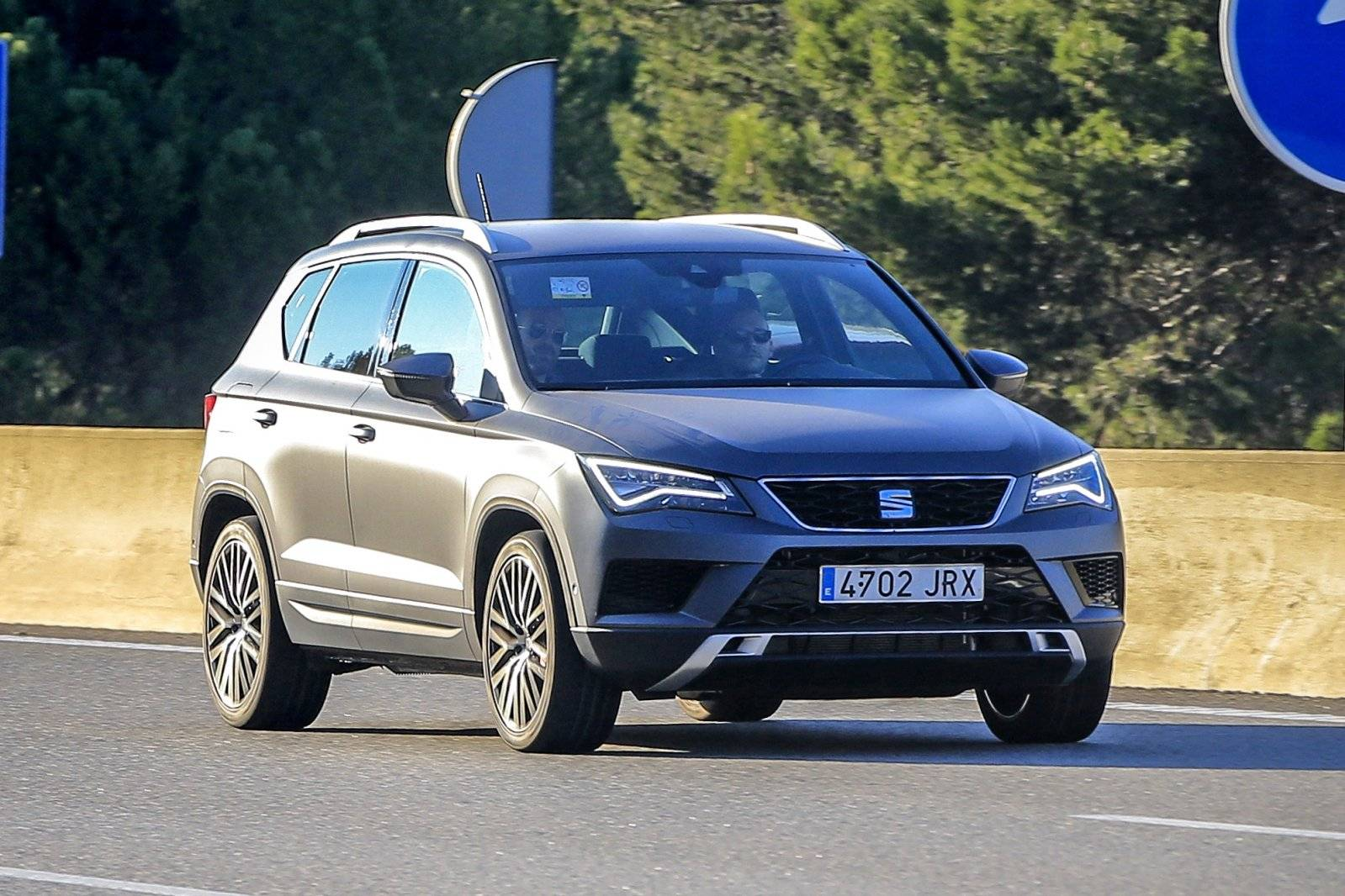 seat ateca cupra in aantocht spyshots. Black Bedroom Furniture Sets. Home Design Ideas