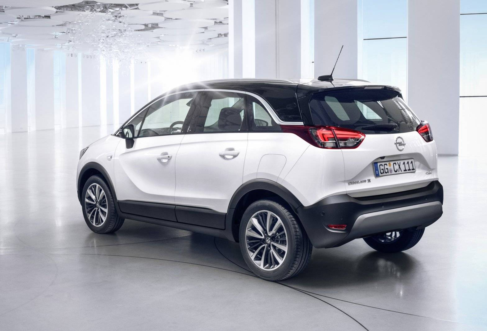 vergeet de meriva dit is de opel crossland x autonieuws. Black Bedroom Furniture Sets. Home Design Ideas