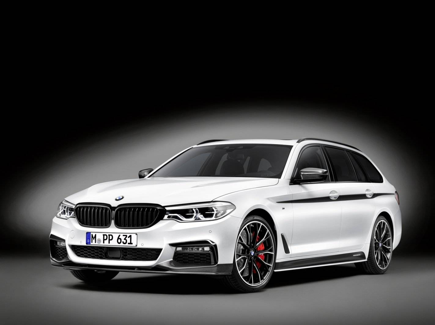 bmw 5 serie touring met m performance goodies autonieuws. Black Bedroom Furniture Sets. Home Design Ideas