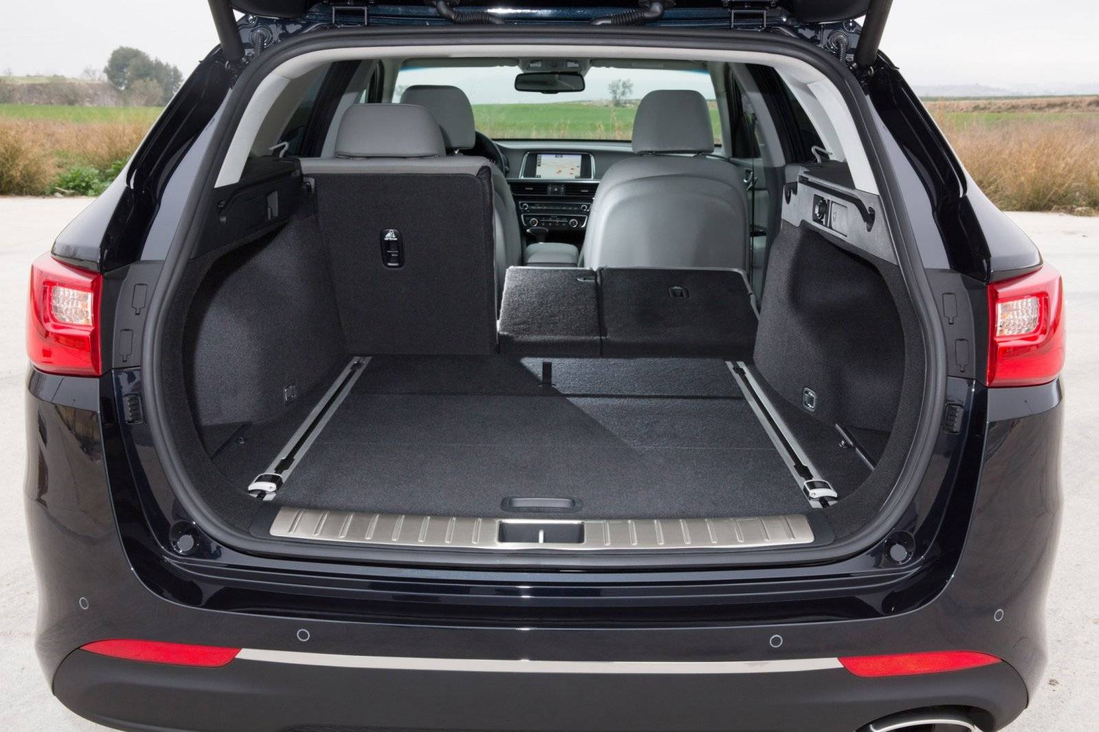 kia optima sportswagon biedt beste van verschillende werelden autonieuws. Black Bedroom Furniture Sets. Home Design Ideas