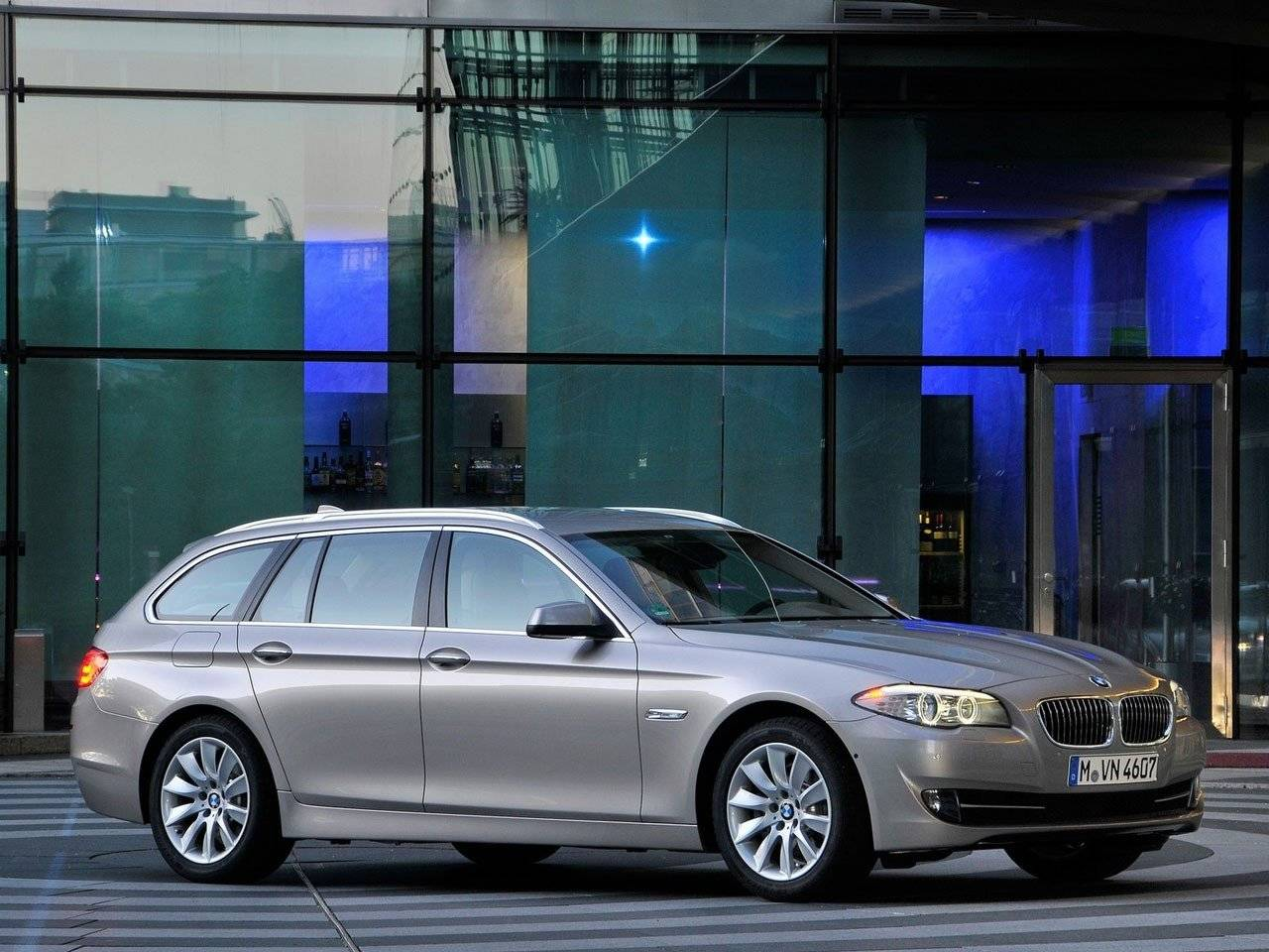 lease car of the year 2011 bmw 5 serie autonieuws. Black Bedroom Furniture Sets. Home Design Ideas