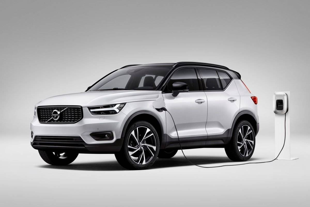 volvo xc90 kopen with Volvo Xc40 Nu Ook Als Plug In Hybride on Vw Polo Vaste Trekhaak in addition Volvo V90 likewise Volvo Xc40 Proefrit Event together with 408593 32468411700 as well Voertuigen Zoeken.