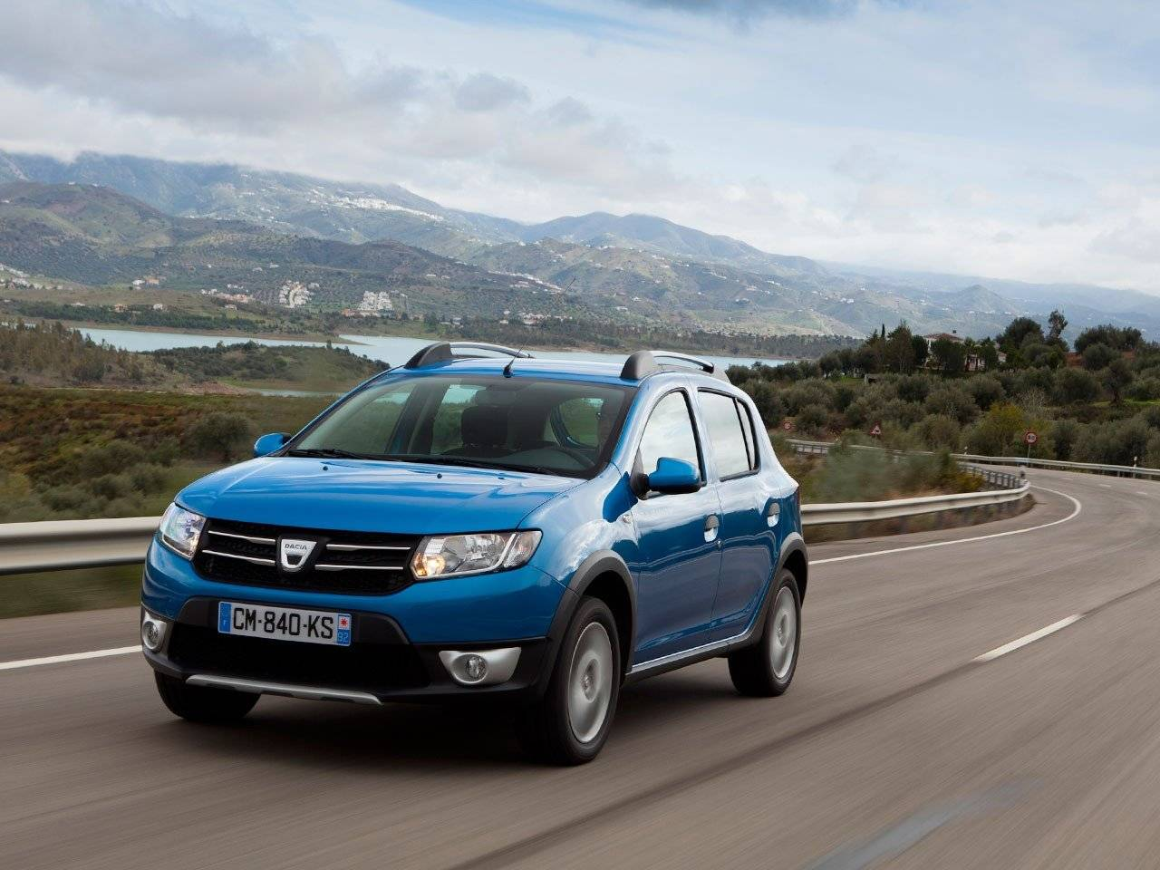 test dacia sandero stepway autotests. Black Bedroom Furniture Sets. Home Design Ideas