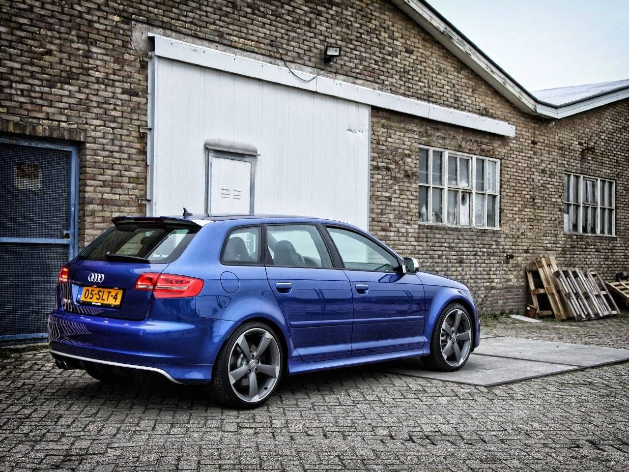 test audi rs3 autotests. Black Bedroom Furniture Sets. Home Design Ideas