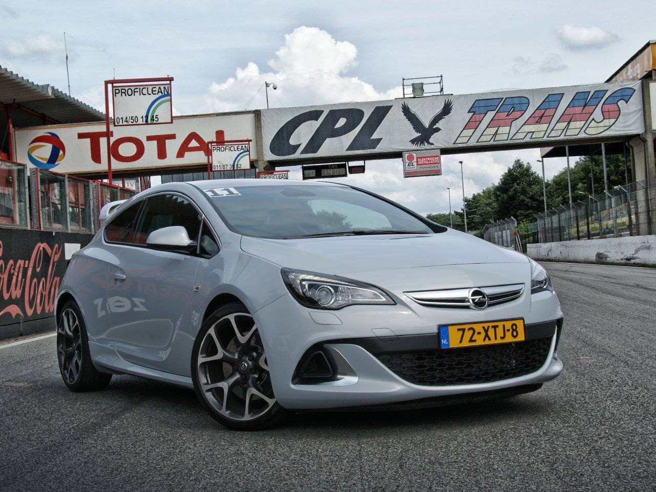 test opel astra opc autotests. Black Bedroom Furniture Sets. Home Design Ideas