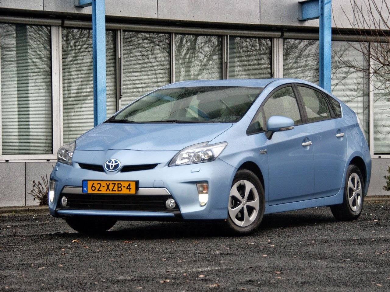 test toyota prius plug in hybrid autotests. Black Bedroom Furniture Sets. Home Design Ideas