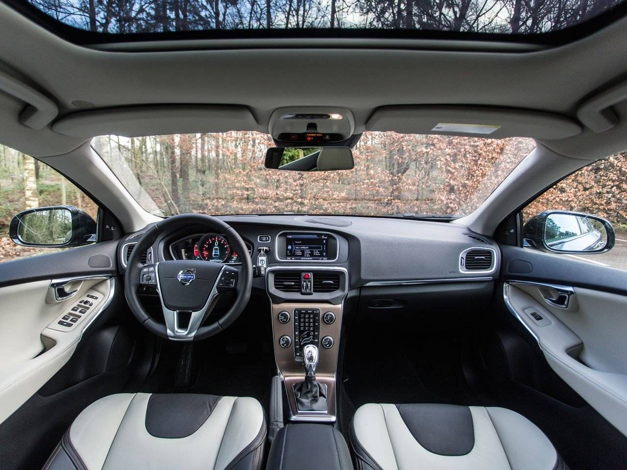 Test: Volvo V40 Cross Country / Autotests
