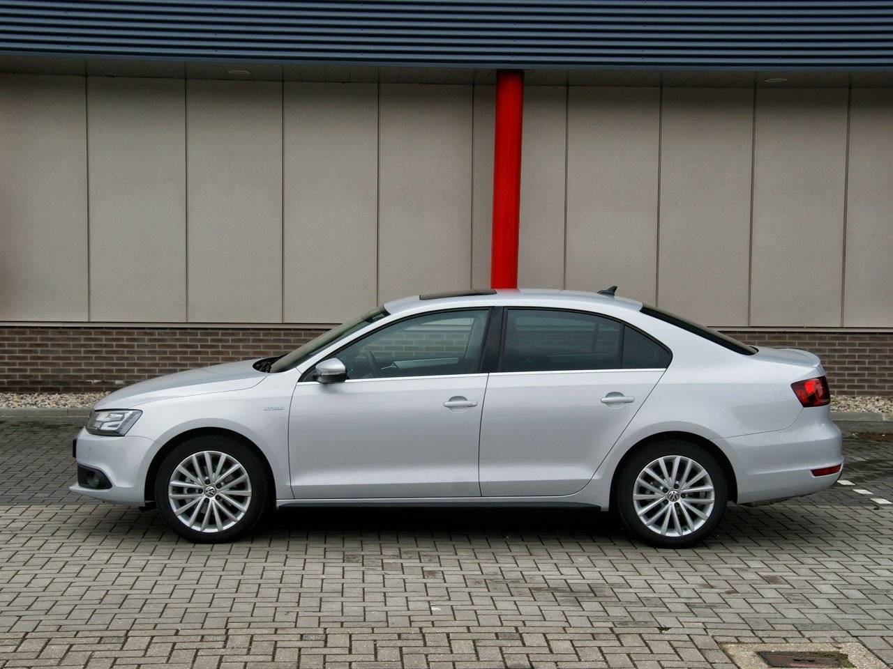 test volkswagen jetta hybrid autotests. Black Bedroom Furniture Sets. Home Design Ideas