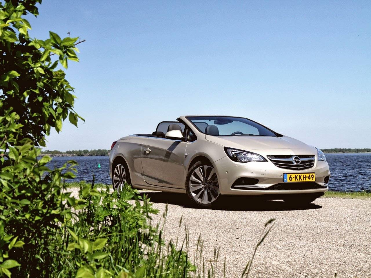test opel cascada autotests. Black Bedroom Furniture Sets. Home Design Ideas