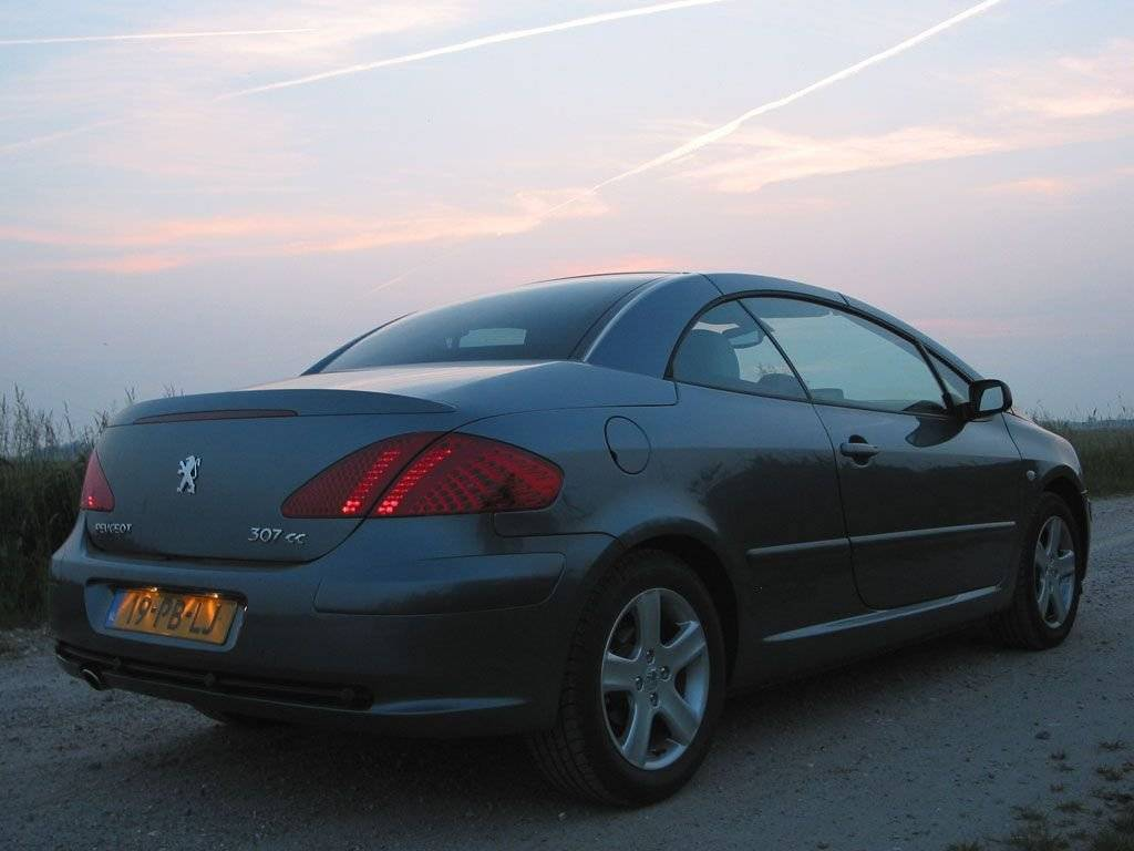 test is de peugeot 307 cc een echte coup en cabriolet autotests. Black Bedroom Furniture Sets. Home Design Ideas