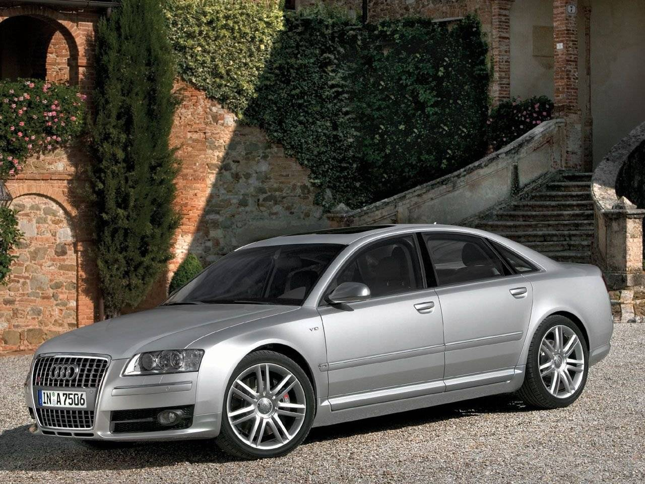 audi s8 met 450 pk sterke lambo v10 autonieuws. Black Bedroom Furniture Sets. Home Design Ideas