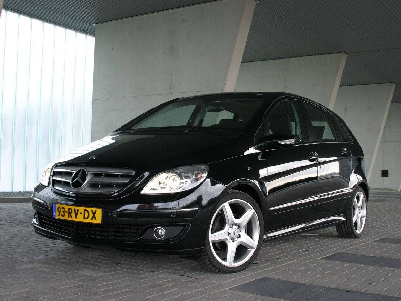 test zakelijke gezinsauto mercedes b klasse autotests. Black Bedroom Furniture Sets. Home Design Ideas