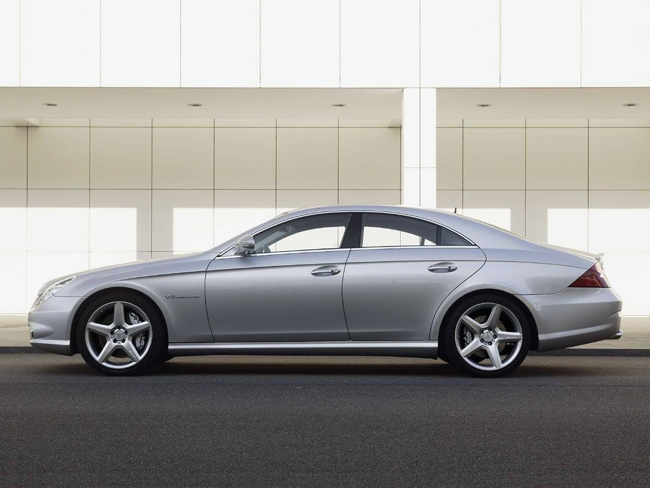 test opvallen in de mercedes cls 500 autotests. Black Bedroom Furniture Sets. Home Design Ideas