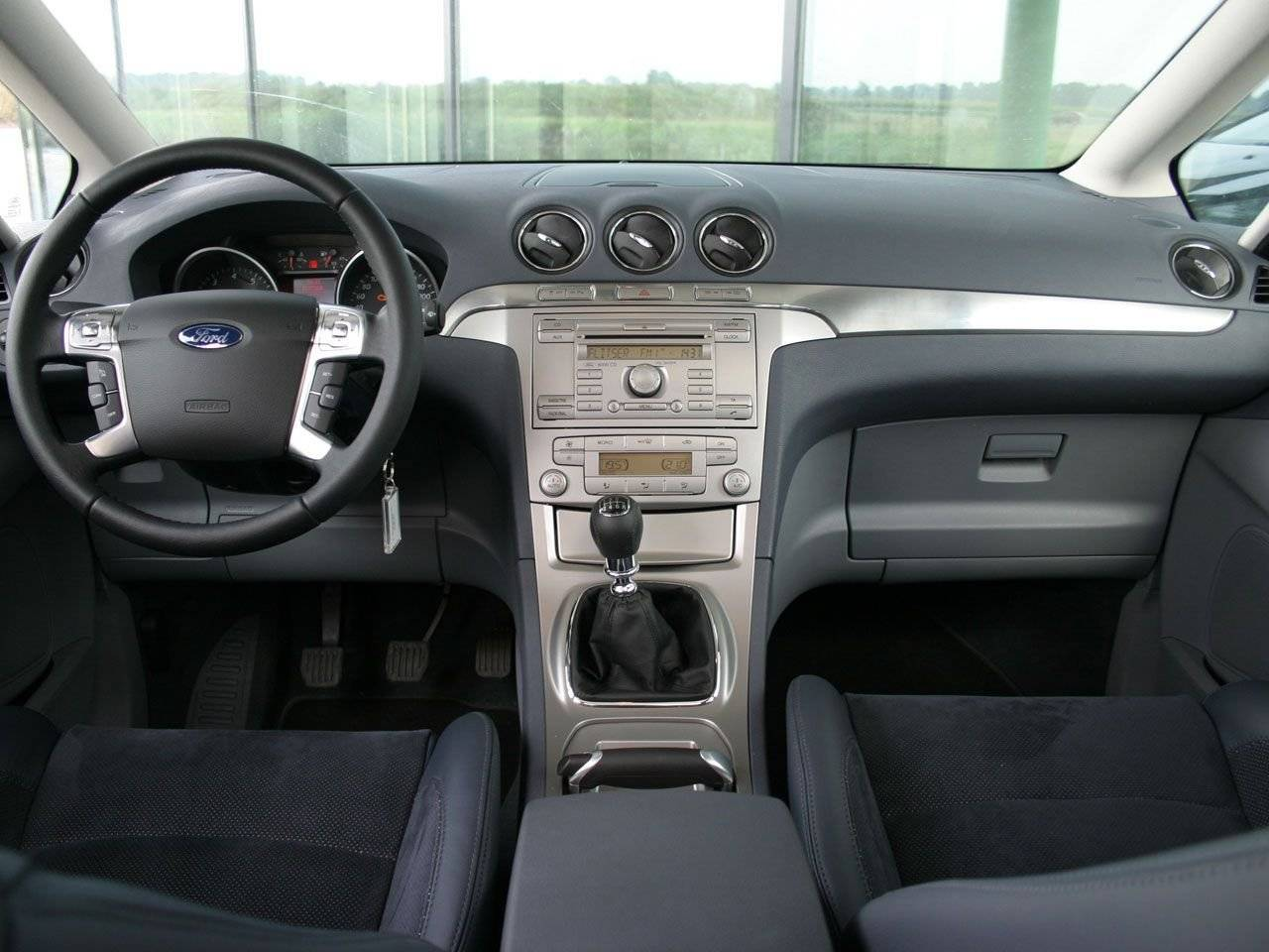 Test mpv met sportkarakter ford s max autotests for Ford s max photos interieur