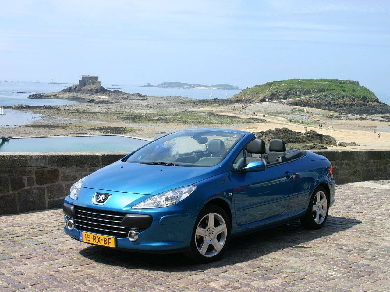 test peugeot 307 cc twee in n auto autotests. Black Bedroom Furniture Sets. Home Design Ideas