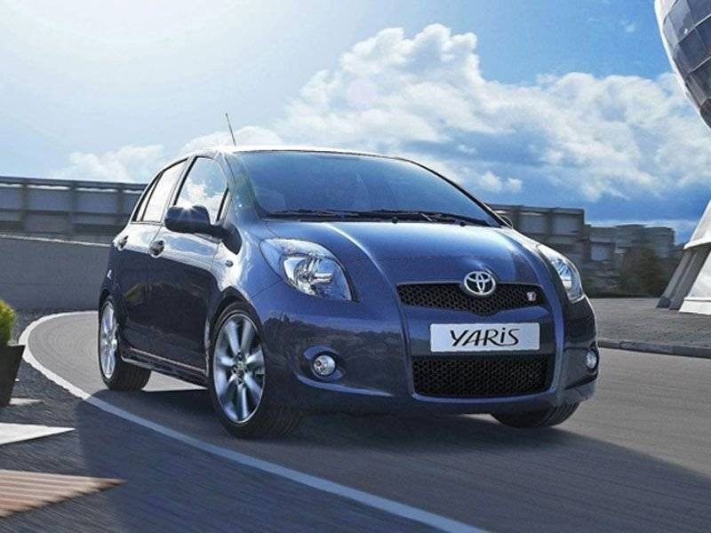 in detail toyota yaris ts autonieuws. Black Bedroom Furniture Sets. Home Design Ideas