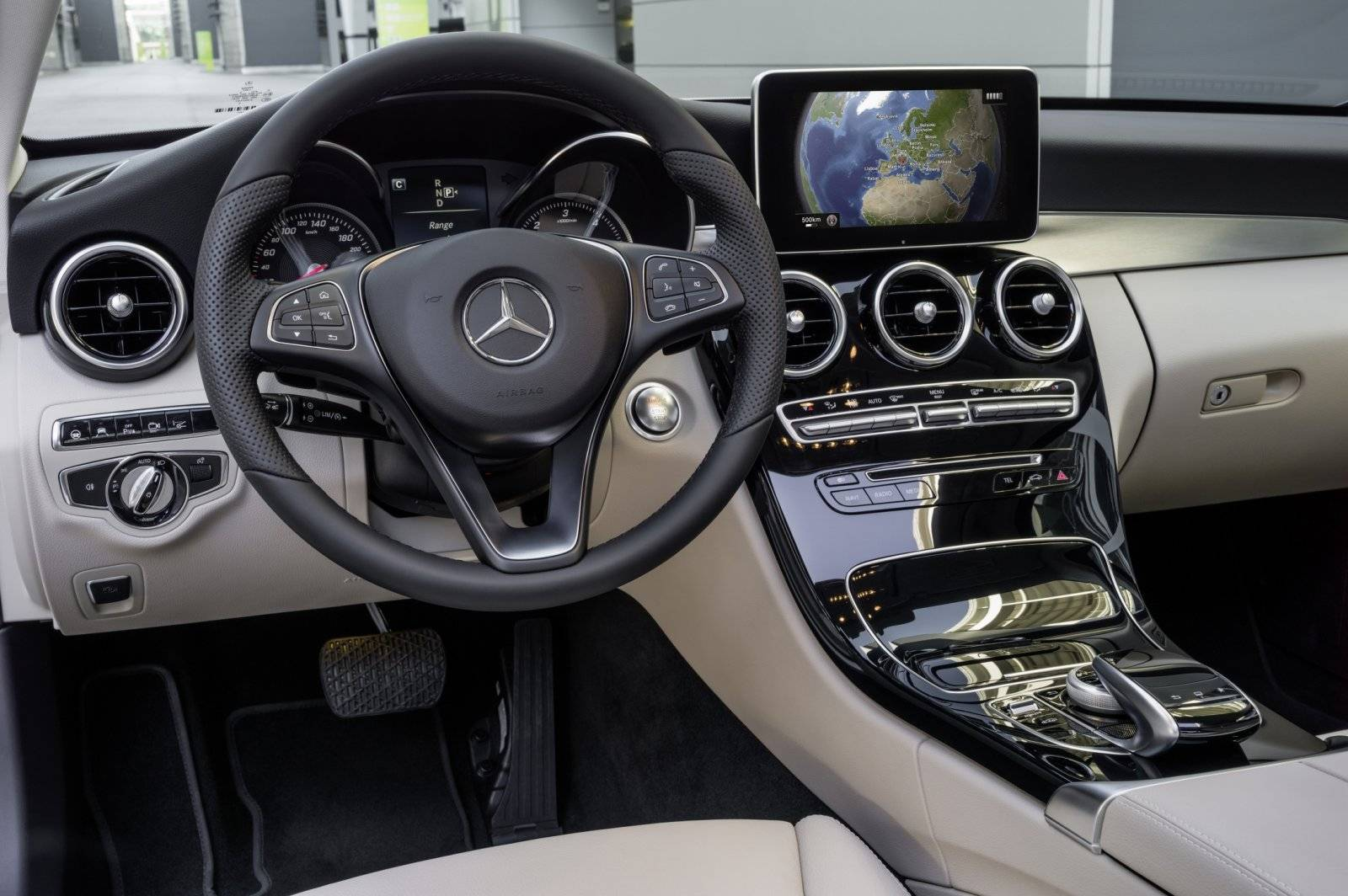 in detail de nieuwe mercedes c klasse autonieuws. Black Bedroom Furniture Sets. Home Design Ideas