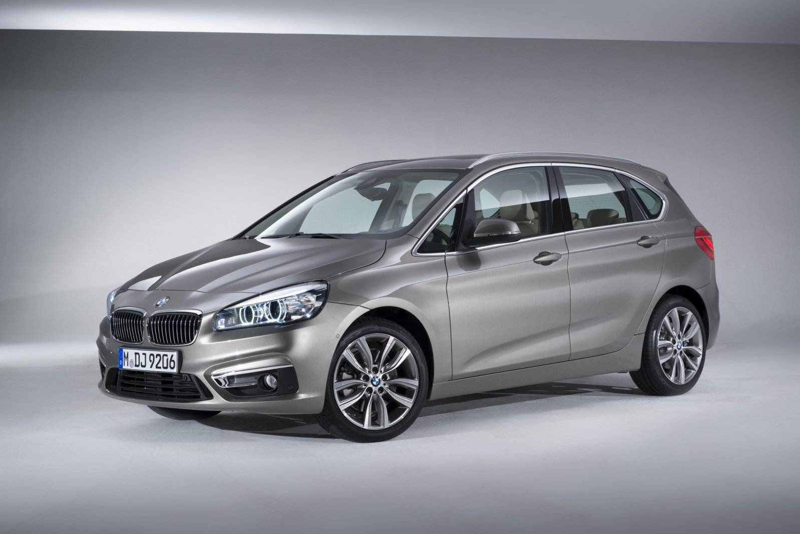 officieel bmw 2 serie active tourer inclusief richtprijs autonieuws. Black Bedroom Furniture Sets. Home Design Ideas