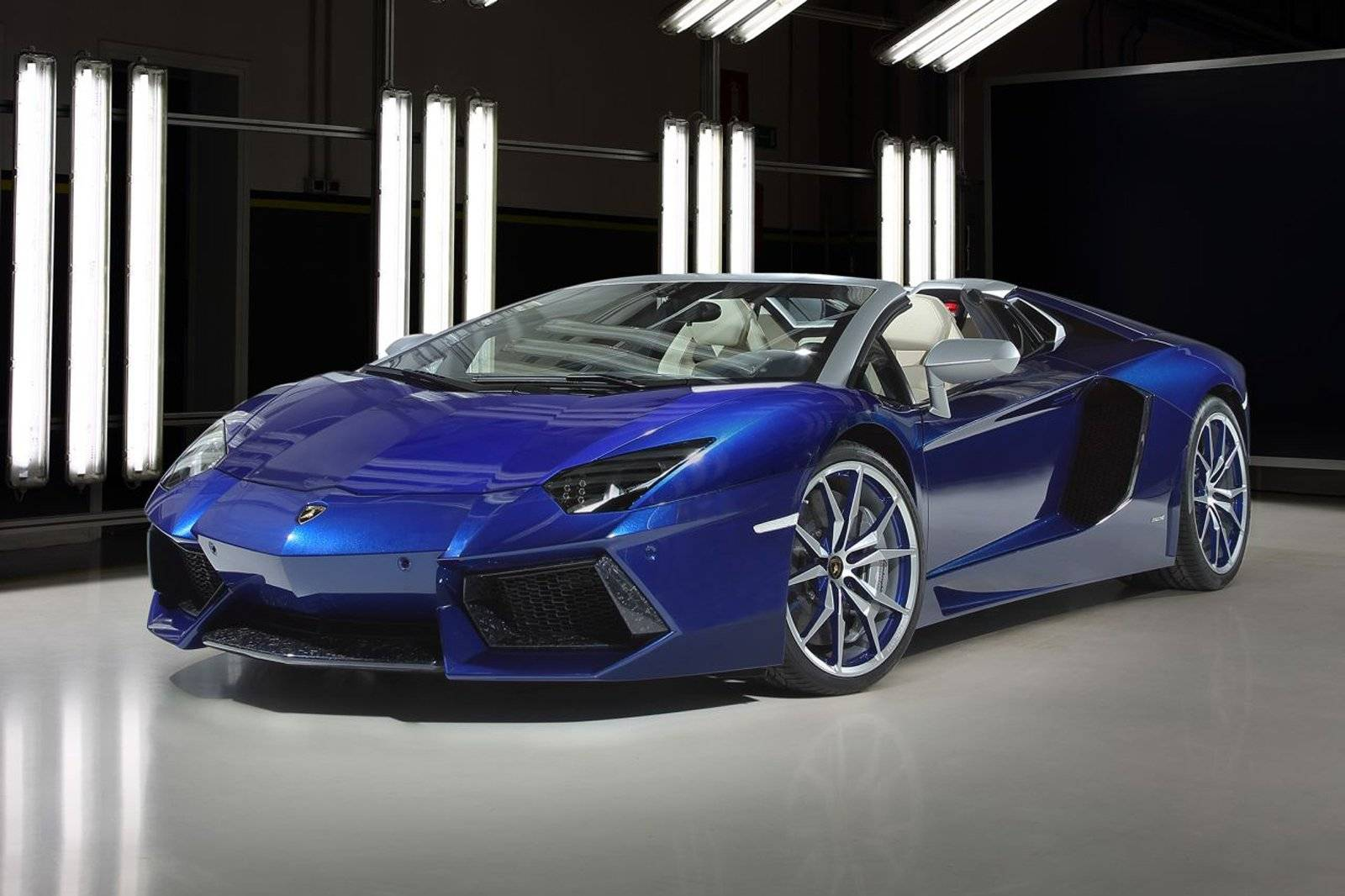 ad personam configureert lamborghini aventador roadster autonieuws. Black Bedroom Furniture Sets. Home Design Ideas