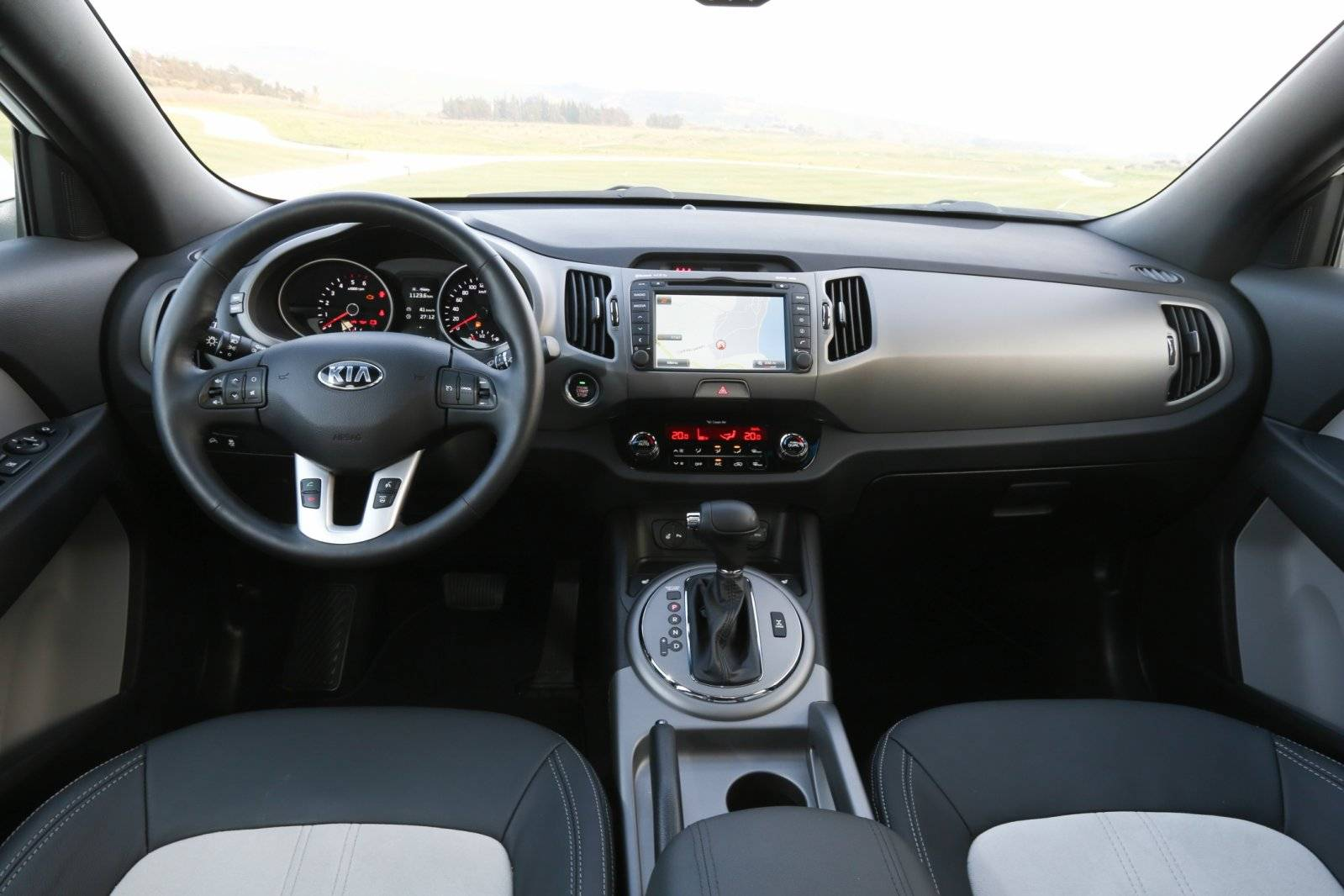 test kia sportage autotests. Black Bedroom Furniture Sets. Home Design Ideas