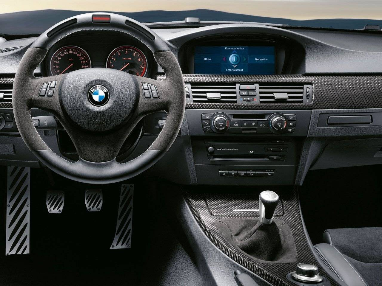 bmw performance accessoires voor 1 serie autonieuws. Black Bedroom Furniture Sets. Home Design Ideas