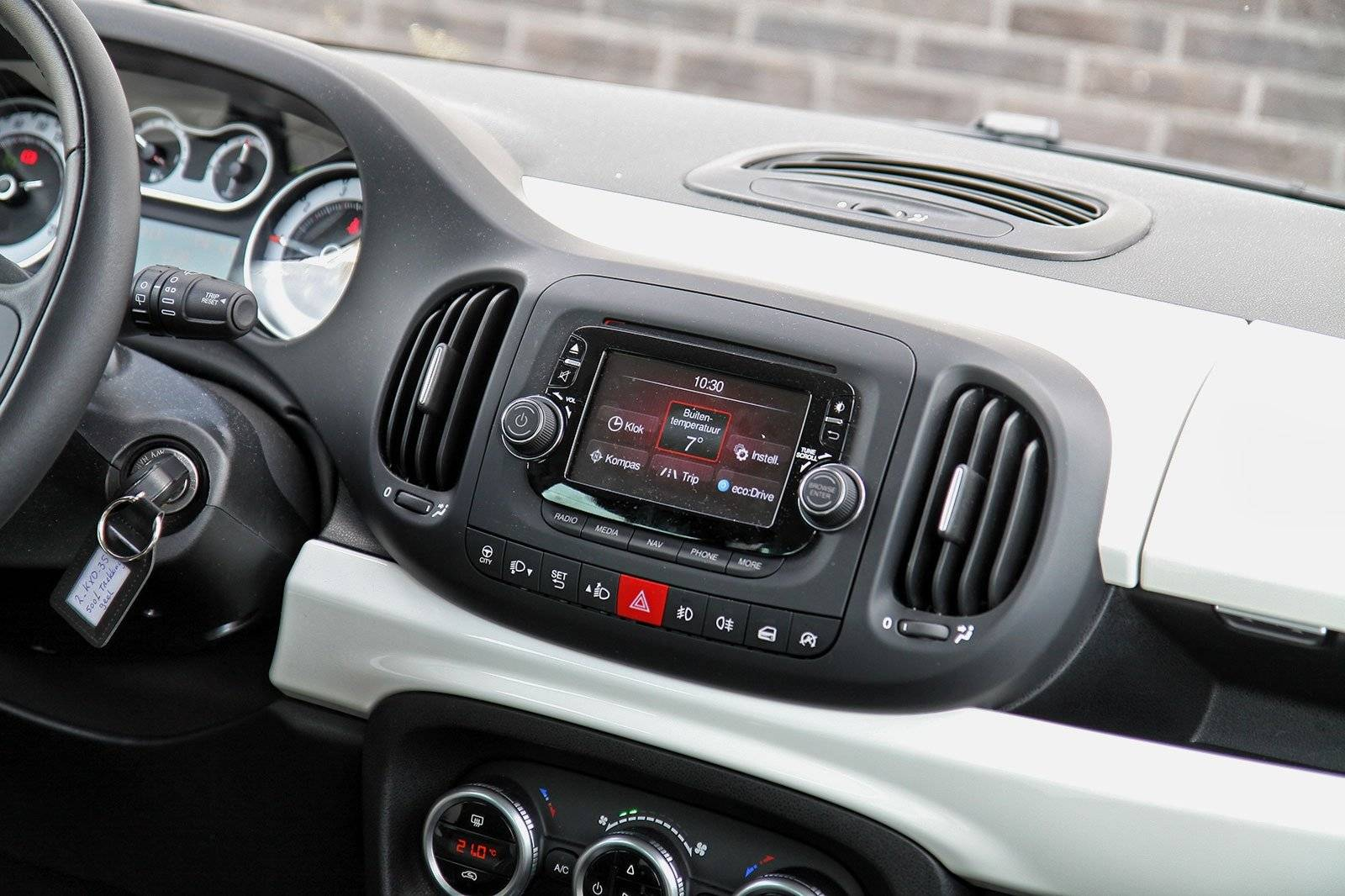 test fiat 500l trekking autotests. Black Bedroom Furniture Sets. Home Design Ideas