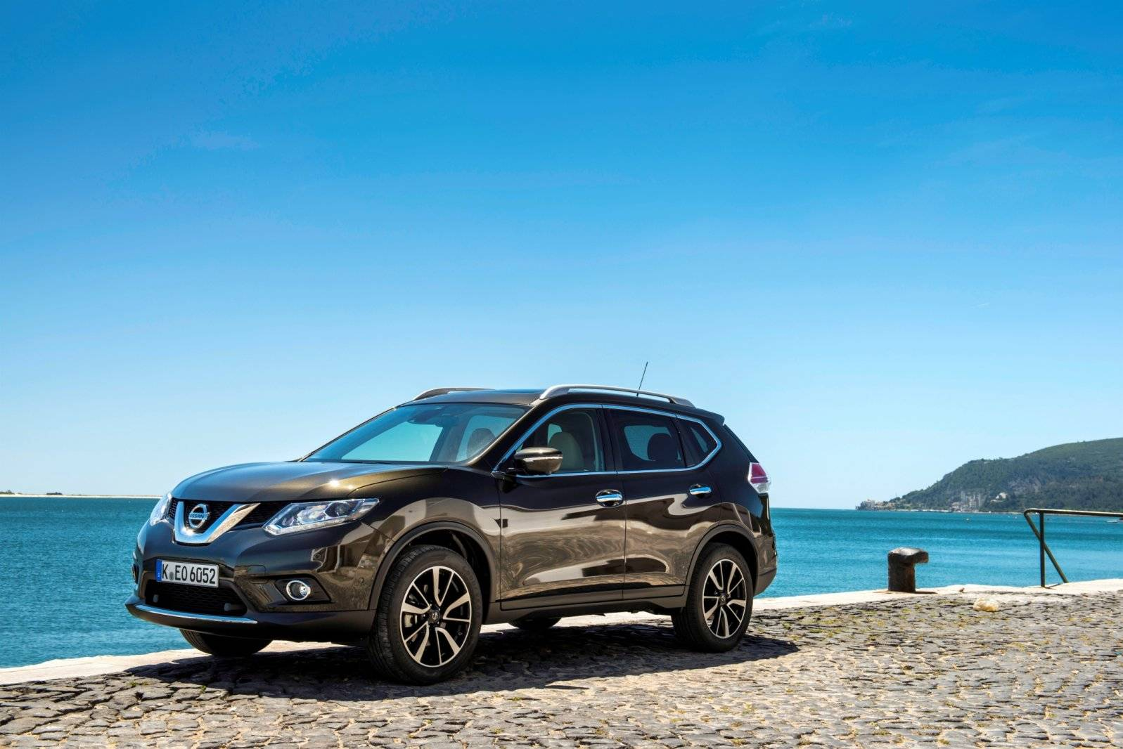 test nissan x trail autotests. Black Bedroom Furniture Sets. Home Design Ideas