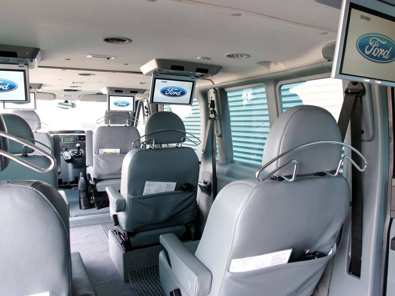 Ford Transit XXL 'Stretched limo' / Autonieuws ...