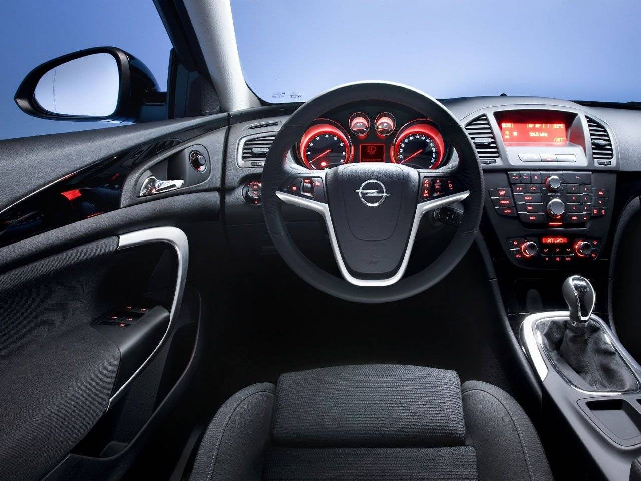 Officieel interieur opel insignia in detail autonieuws for Interieur id