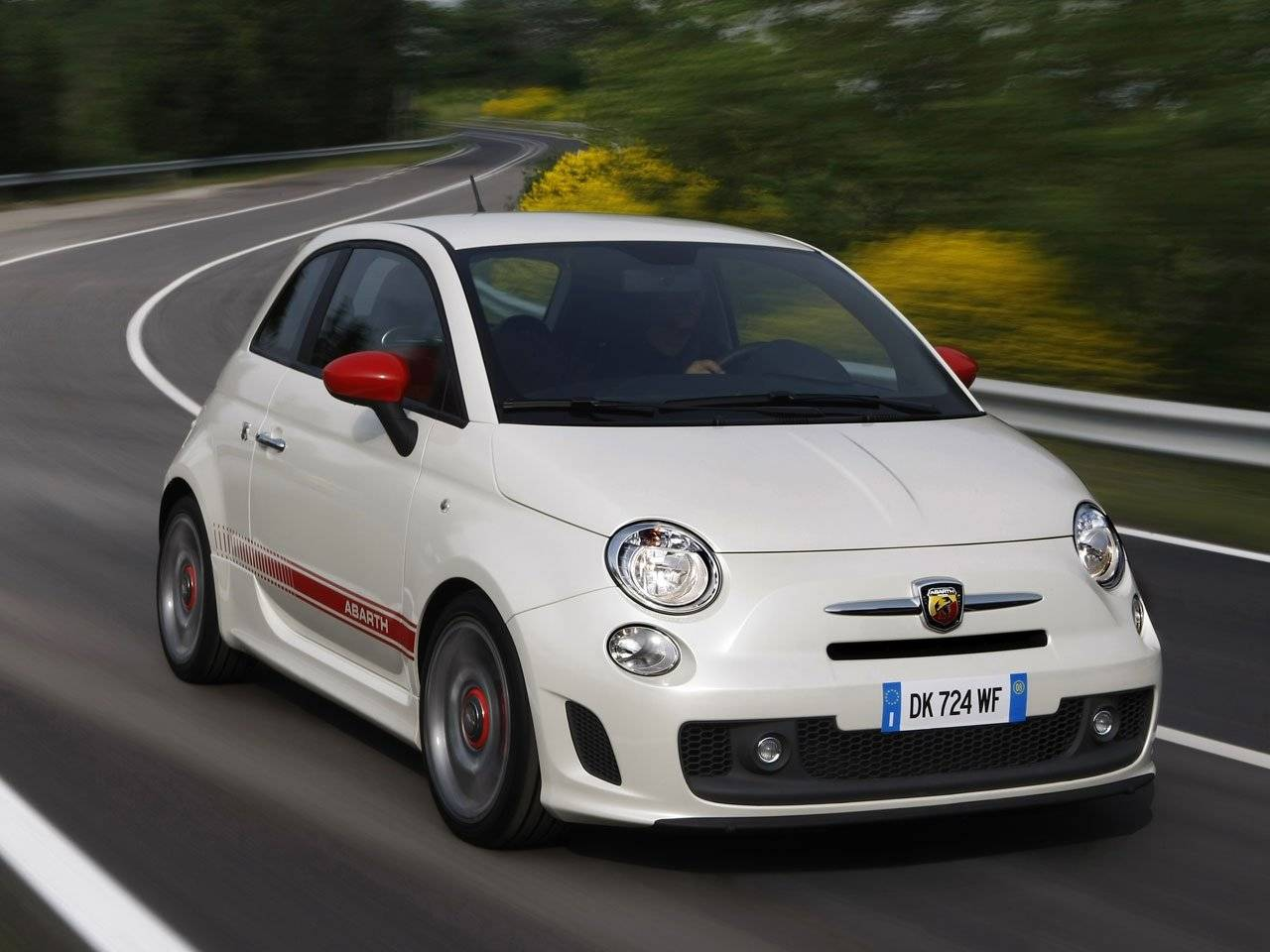 fiat 500 abarth in detail autonieuws. Black Bedroom Furniture Sets. Home Design Ideas