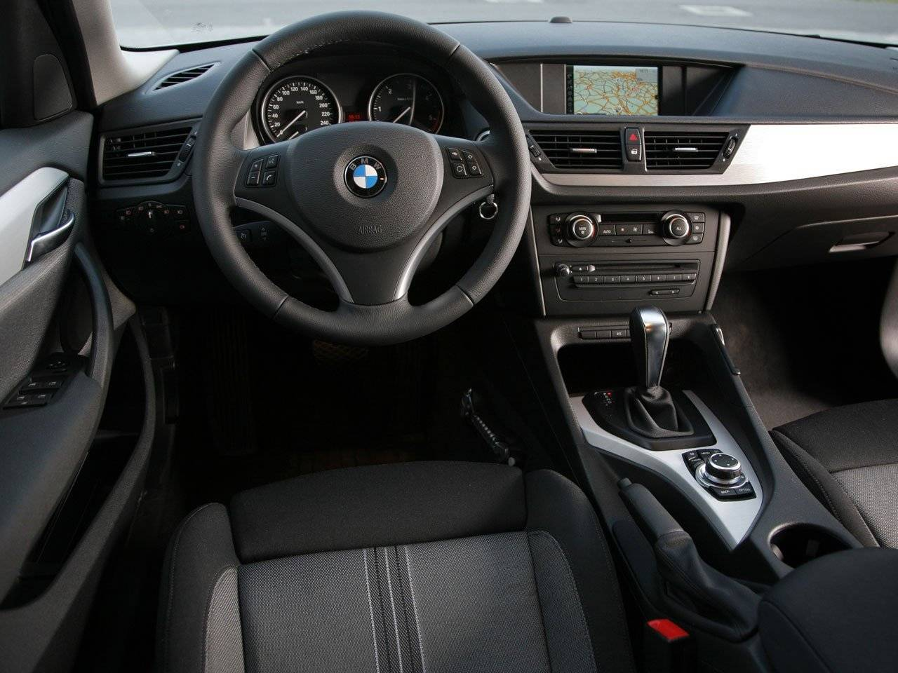 test bmw x1 autotests. Black Bedroom Furniture Sets. Home Design Ideas