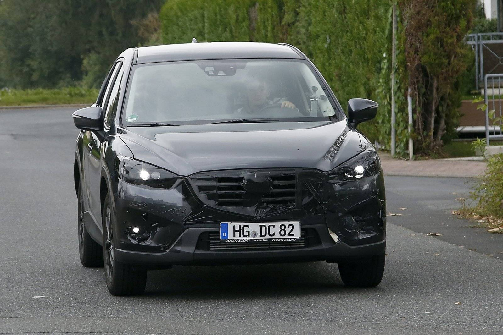 cx 5 facelift release date price and specs. Black Bedroom Furniture Sets. Home Design Ideas