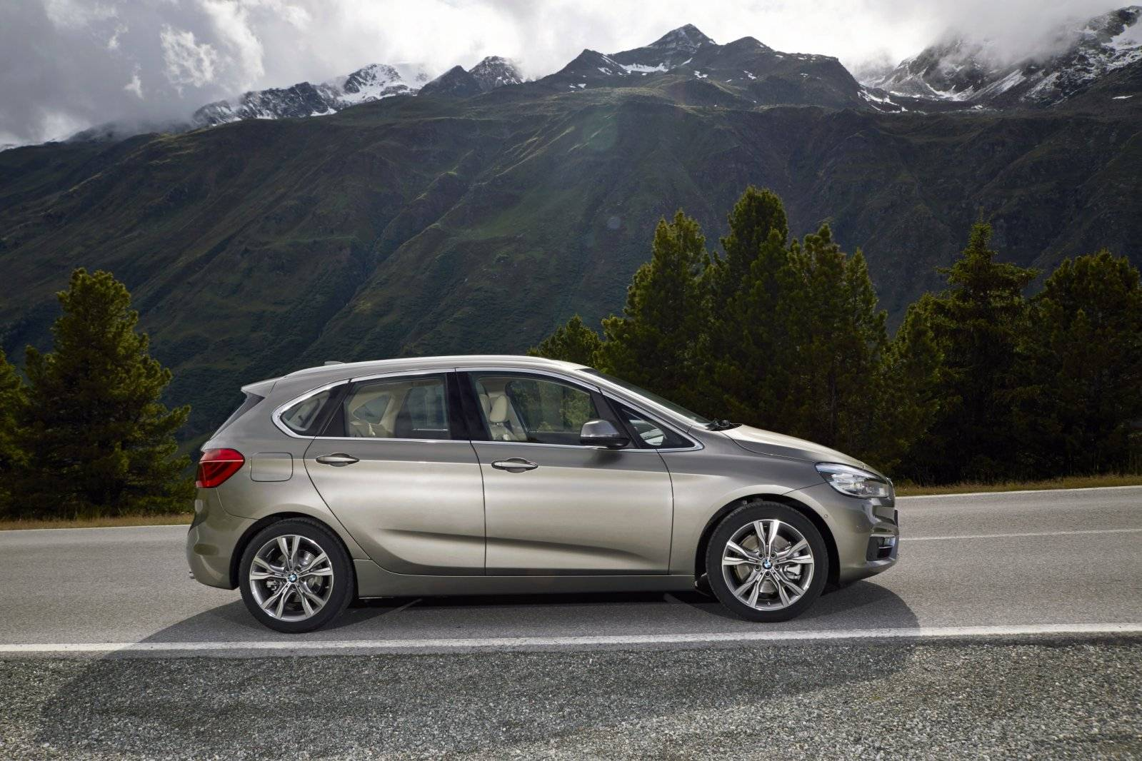 nieuwe motoren en xdrive voor bmw 2 serie active tourer. Black Bedroom Furniture Sets. Home Design Ideas