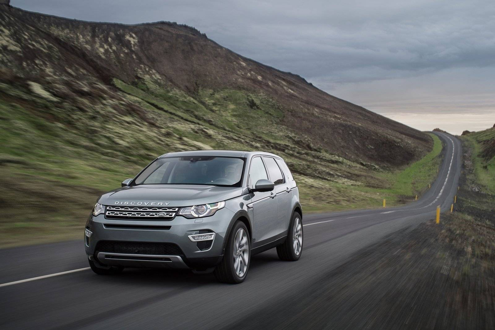 prijs land rover discovery sport bekend autonieuws. Black Bedroom Furniture Sets. Home Design Ideas