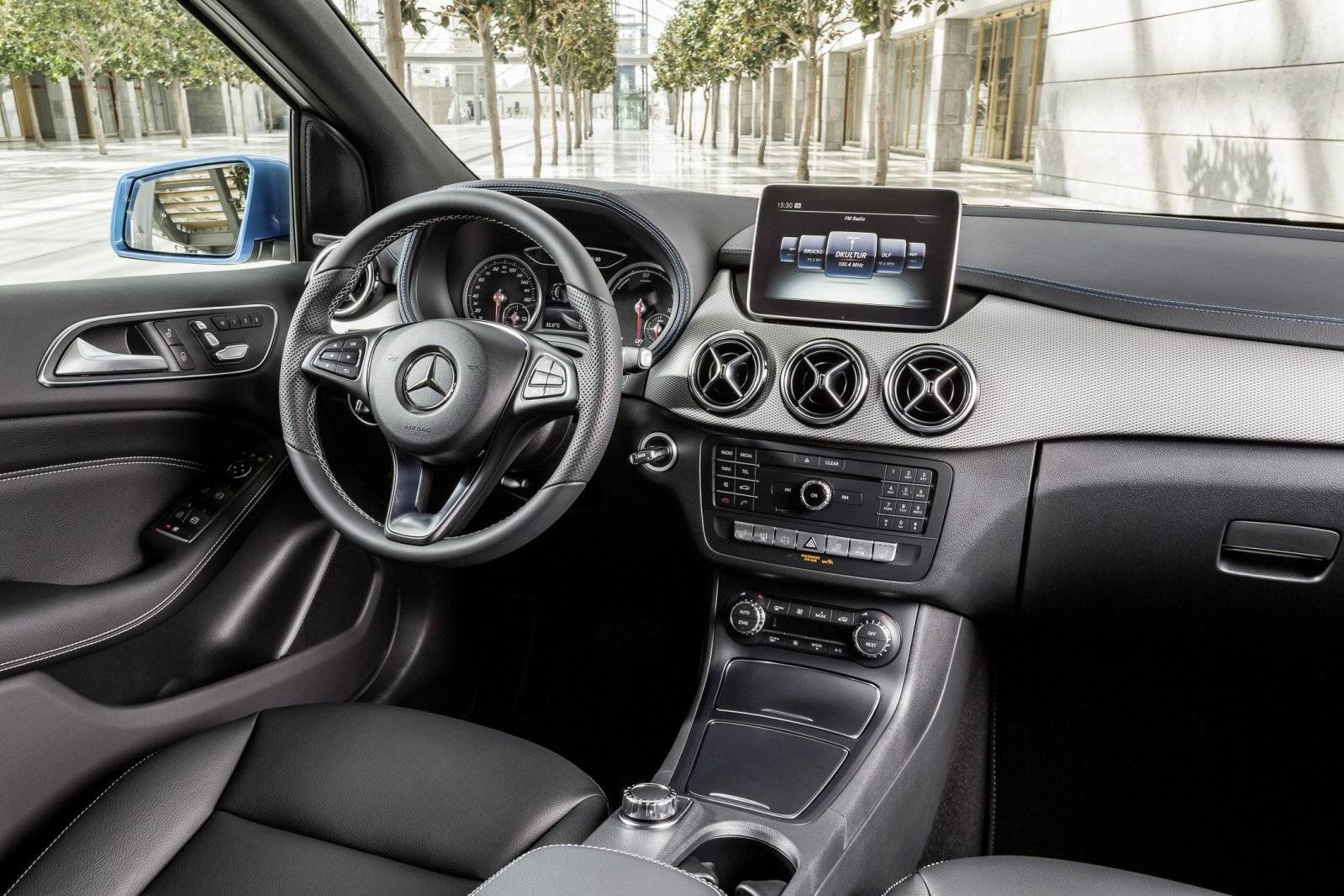 test mercedes benz b klasse electric drive autotests. Black Bedroom Furniture Sets. Home Design Ideas