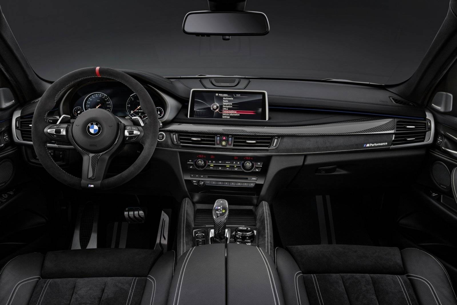 M performance injecteert sportiviteit in bmw x6 for Interieur x6