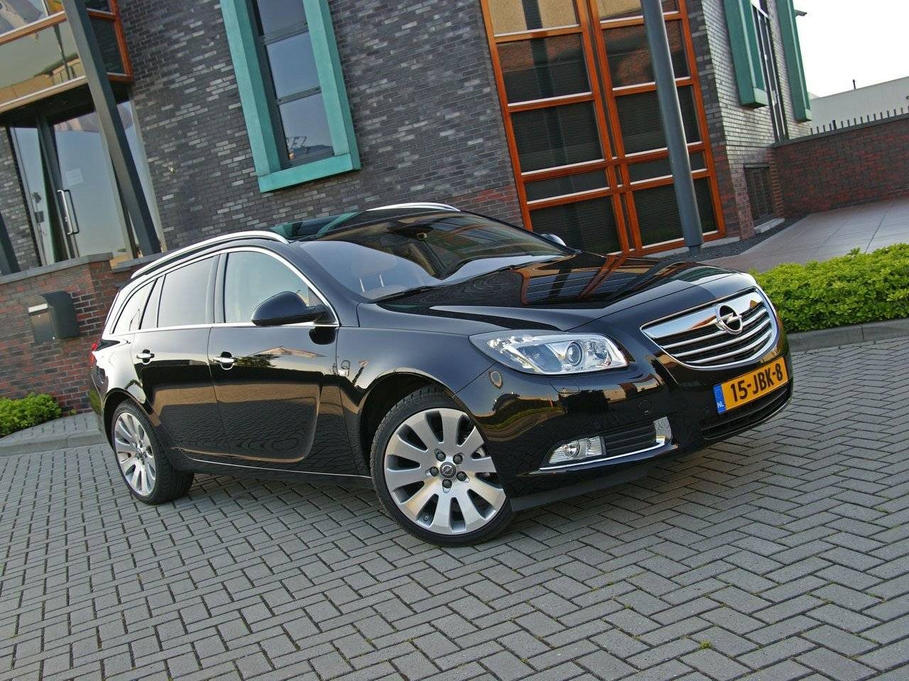 test opel insignia sports tourer autotests. Black Bedroom Furniture Sets. Home Design Ideas